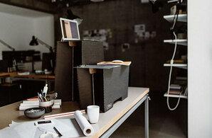 ROOM IN A BOX - MonKey Desk Stehschreibtisch   ROOM IN A BOX
